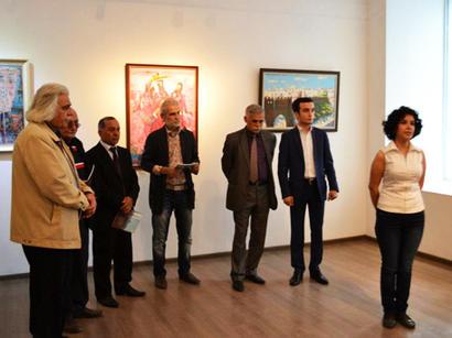 В Баку представлена книга, посвященная жизни и творчеству Джейхуна Гамзаева (фото)