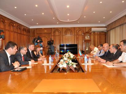 В Азербайджане будет усилен контроль над ввозимыми в страну грузами (ФОТО)