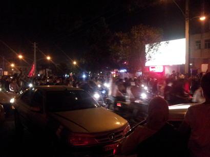 Сторонники Хасана Рухани празднуют победу на президентских выборах в Тегеране (ФОТО)