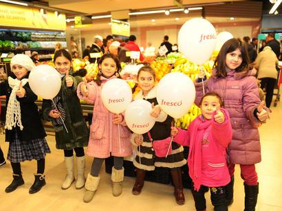 """Сеть супермаркетов """"Fresco"""" продолжает радовать жителей Баку (ФОТО)"""