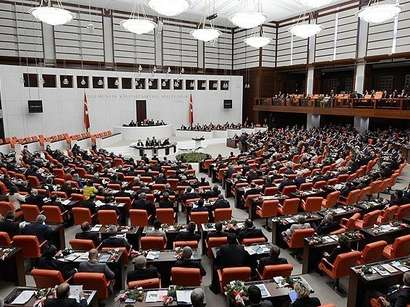 Turkish parliament ratifies motion on Iraq, Syria