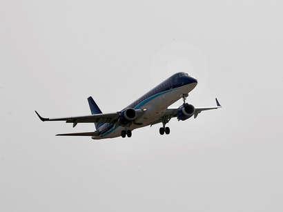 AZAL прокомментировал инцидент с самолетами в небе над Москвой